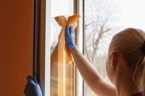 Hacer la limpieza de tu hogar más efectiva-polvo